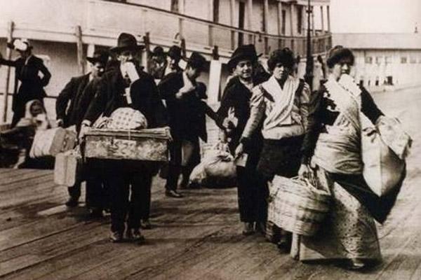 Migrazioni: il passato per spiegare l'oggi